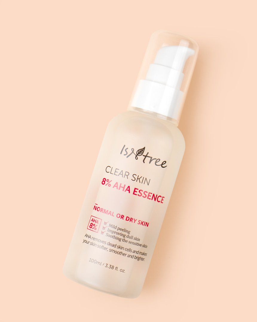 A bottle of ISNTREE Clear Skin 8% AHA Essence (From: sokoglam.com).