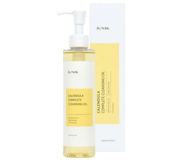 A closer look at the iUNIK Calendula Complete Cleansing Oil. (From: iunikcos.com)