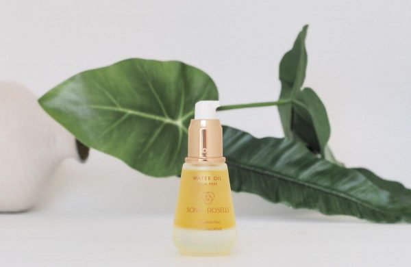 A facial oil believed not to be suitable for oily skin. (From: Unsplash)